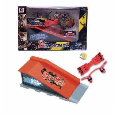 Рампа за скейт Street Skates с 2 мини скейтборд - фингърборд и аксесоари Bench & Slide
