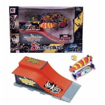 Рампа за скейт Street Skates с 2 мини скейтборд - фингърборд и аксесоари Bench & Loop
